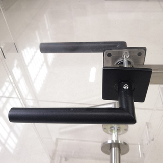 China Supplier new style black lever on thin square rose