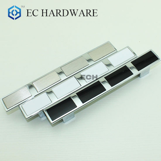 Zinc Alloy Cabinet Furniture Handle with Aluminum Decoration (7854)